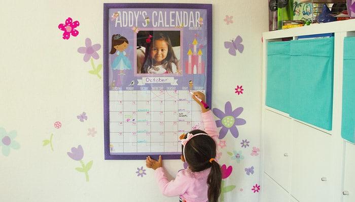 Individuelles, abwischbares Kalenderposter DIY